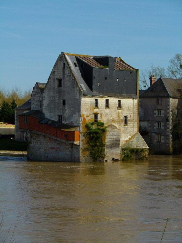 Vieux moulin sur le Cher