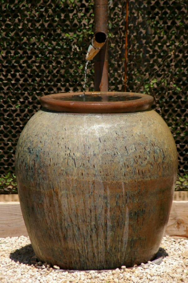 Le pot à eau