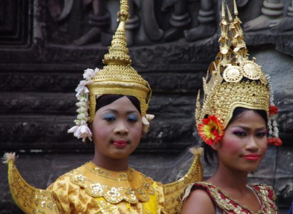 Danseuses cambodgiennes