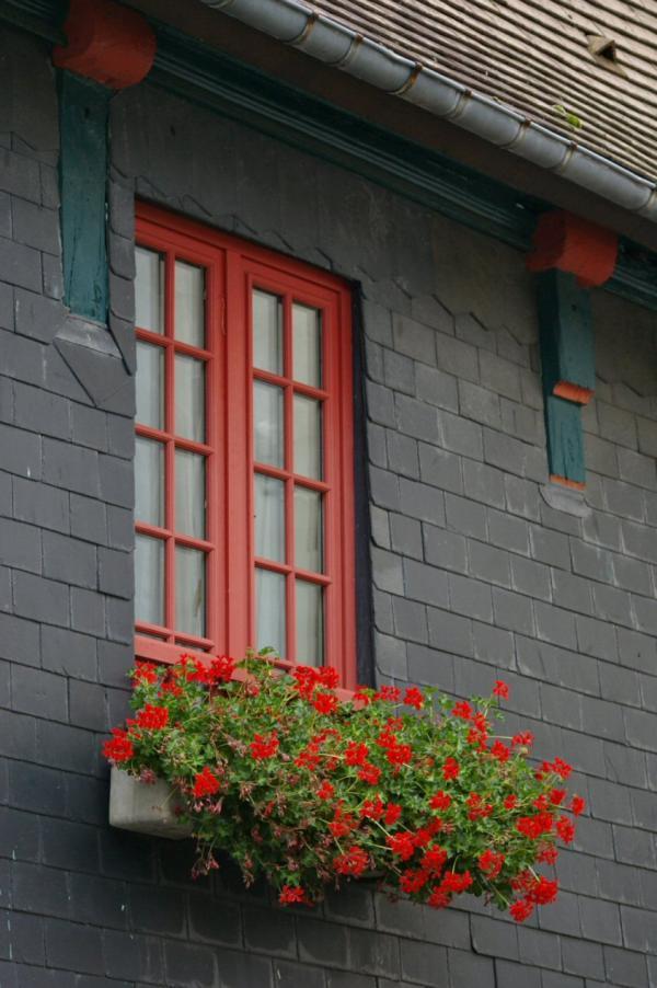 La fenêtre rouge