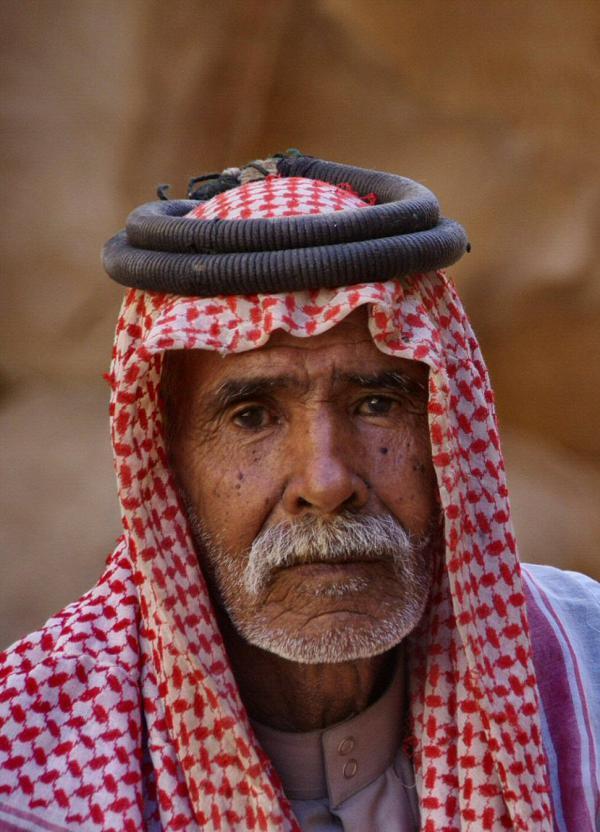 Le vieil homme au keffieh