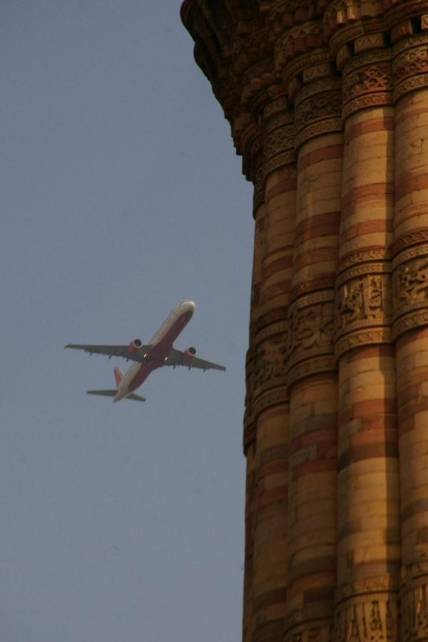 Avion et minaret