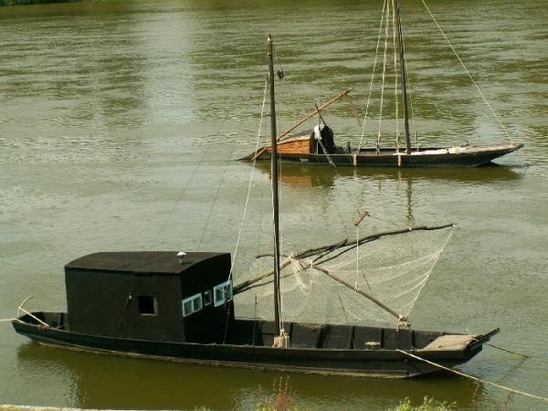 Toues cabanées sur la Loire