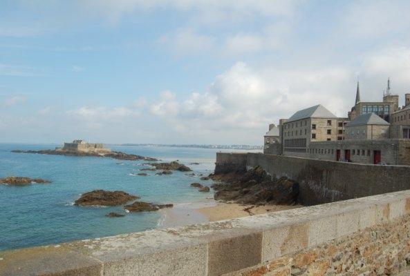 Les remparts de Saint-Malo (1)